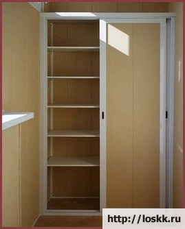 как-сделать-шкаф-на-балконе