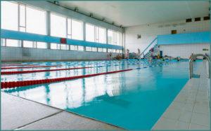 Передается ли коронавирус через воду  бассейне, сколько  живет